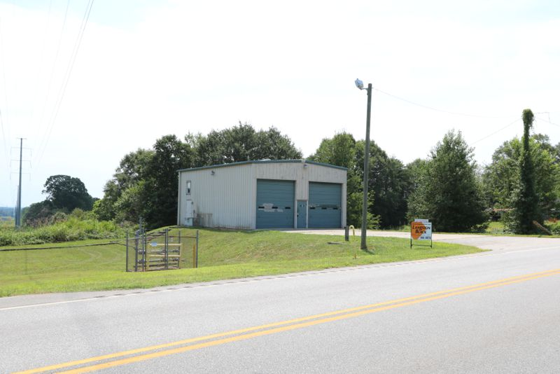 Building on Hwy 101 north sold