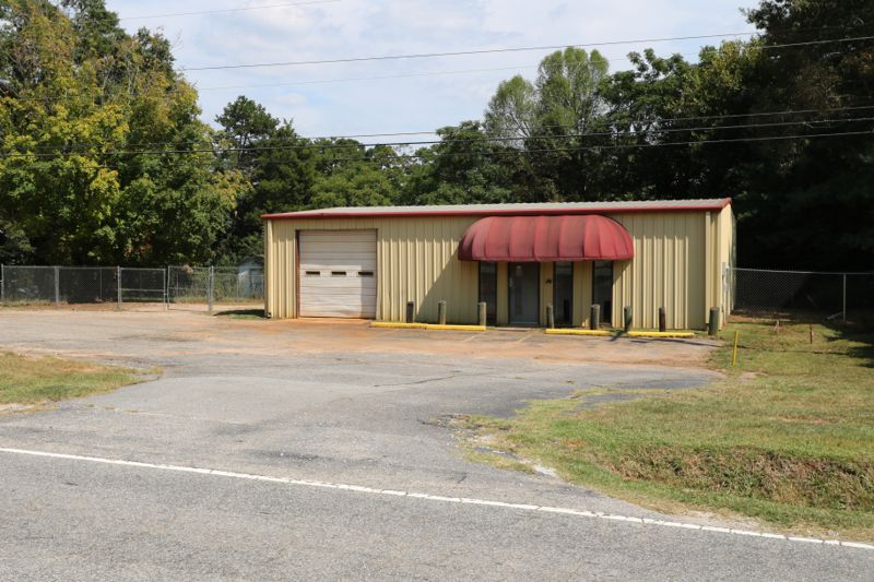 Building on Rogers Bridge Road leased