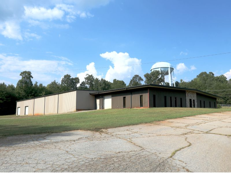 Building in Travelers Rest sold