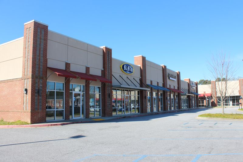 Space in the Shoppes at Knollwood leased