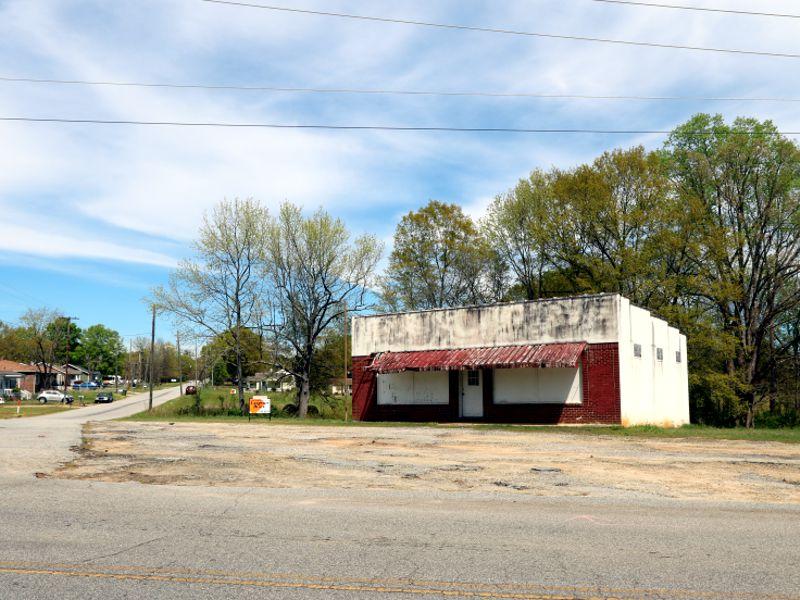 Property at 1040 Poplar Drive in Greer sold