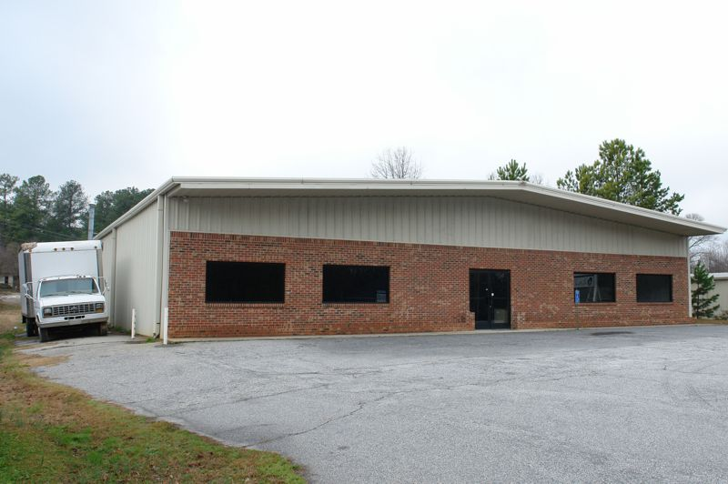 Sew Properties, LLC purchases building in Simpsonville