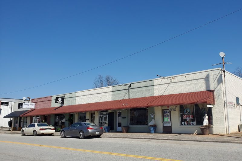 Building in downtown Lyman purchased
